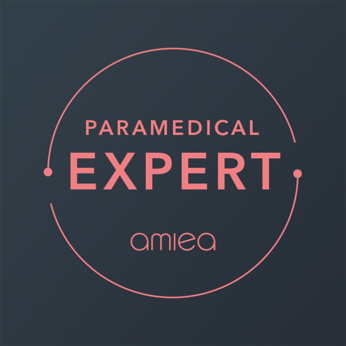 Icon for amiea paramedical expert level 2 on dark grey background