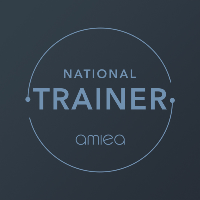 Icon for amiea national trainer level 4 on dark grey background